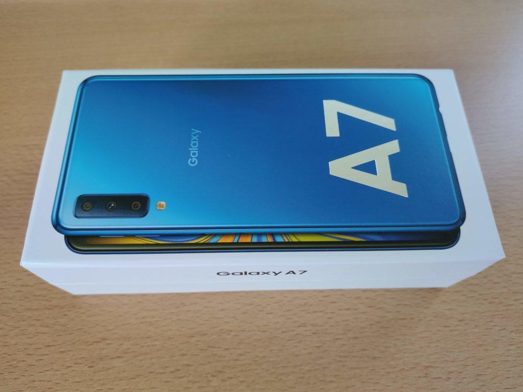 楽天モバイル Galaxy A7の箱 天面